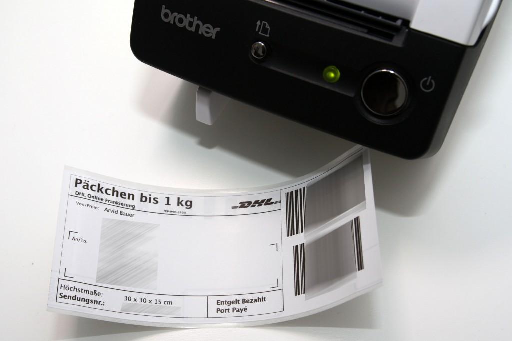 Brother QL-500 mit gedruckter Paketmarke