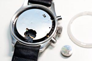 Junkers Chronograph offen für Batteriewechsel